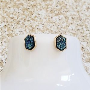 Jewelry - ‼️Sale‼️Hex shaped Druzy earrings